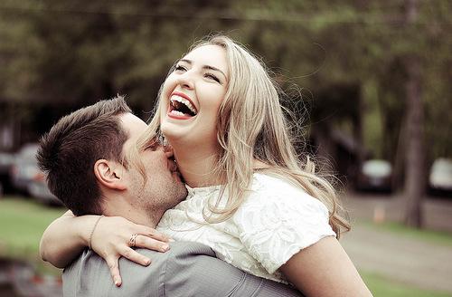 Несколько способов необычного признания в любви девушке
